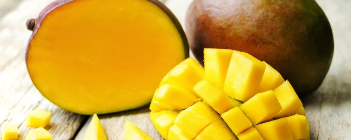 Owoc mango ijego właściwości. Sprawdź jak obrać izjeść mango